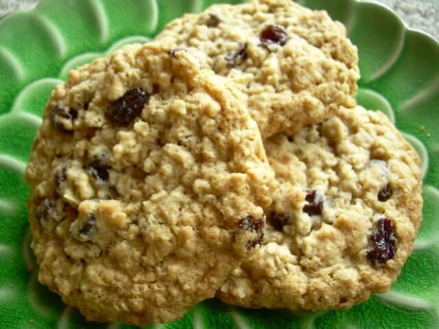 quaker vanishing oatmeal raisin cookies recipe cdkitchencom