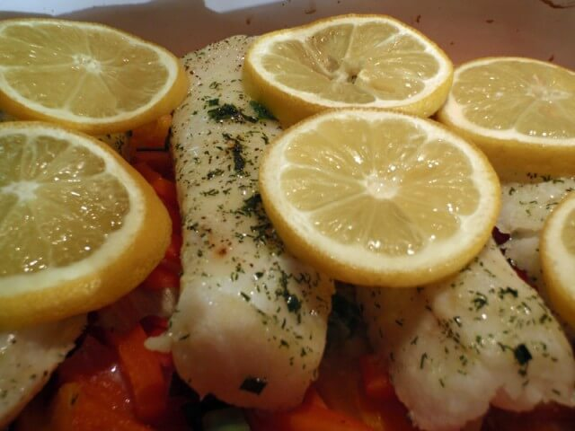 Veggie steamed fish with yogurt dill sauce recipe for Dill sauce for fish