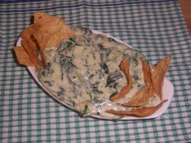 Copycat California Pizza Kitchen S Spinach Artichoke Dip Recipe Cdkitchen Com