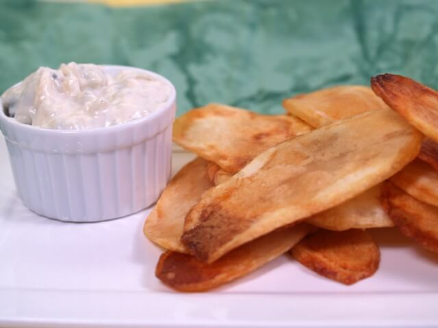 Hot Potato Chips With Blue Cheese Sauce Recipe | CDKitchen.com