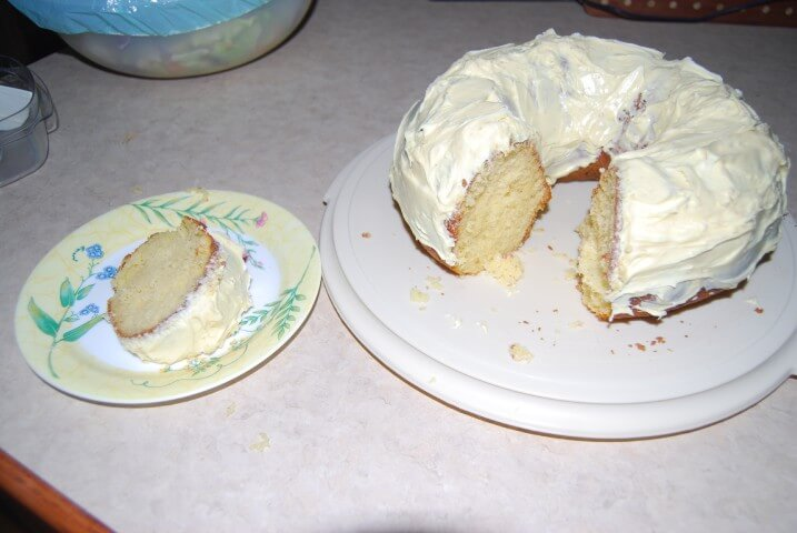 Cake Mix Almond Pound Cake Recipe From Cdkitchen Com