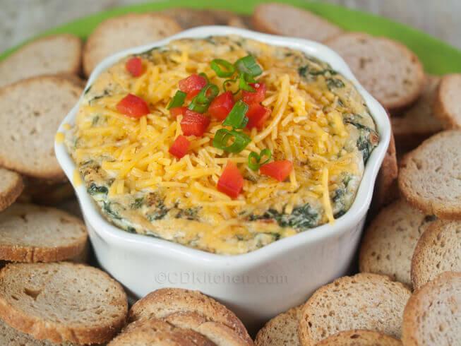 Copycat Kelseys' 4 Cheese Spinach Dip