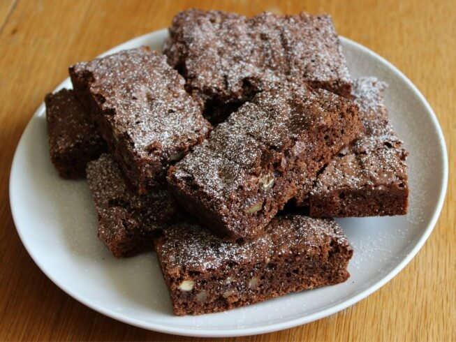 Easy Chewy Cake Mix Brownies Recipe Cdkitchen Com