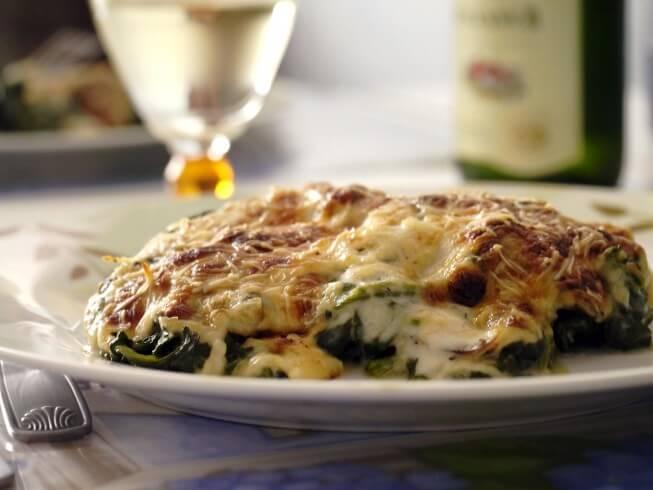 Muenster-Spinach Pie Recipe | CDKitchen.com