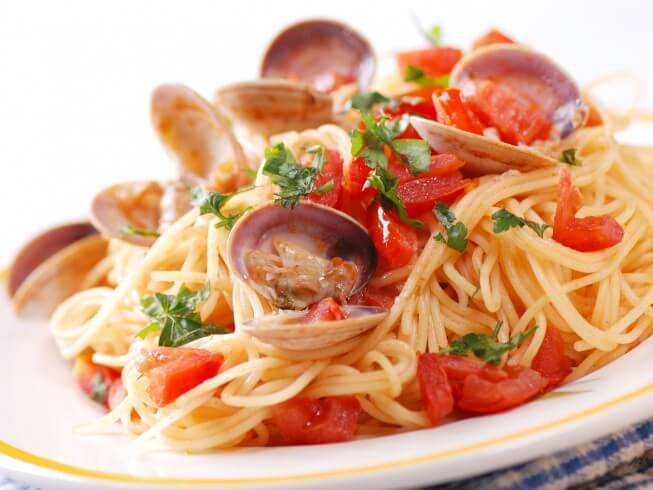 Linguine with Clams and Pancetta Recipe | CDKitchen.com