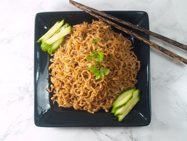 copycat p f chang s garlic noodles recipe cdkitchen com