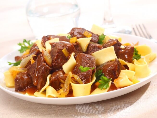 Real Crock Pot Hungarian Goulash Recipe Cdkitchen Com