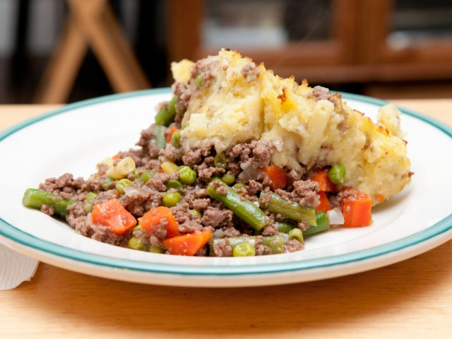 Crock pot ground beef and mashed potato casserole recipe cdkitchen photo of ground beef and mashed potato casserole forumfinder Images