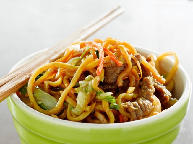 Copycat pf changs china bistro beef lo mein recipe cdkitchen photo of pf changs china bistro beef lo mein forumfinder Image collections