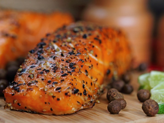 Grilled Salmon With Spicy Rub Recipe Cdkitchen Com