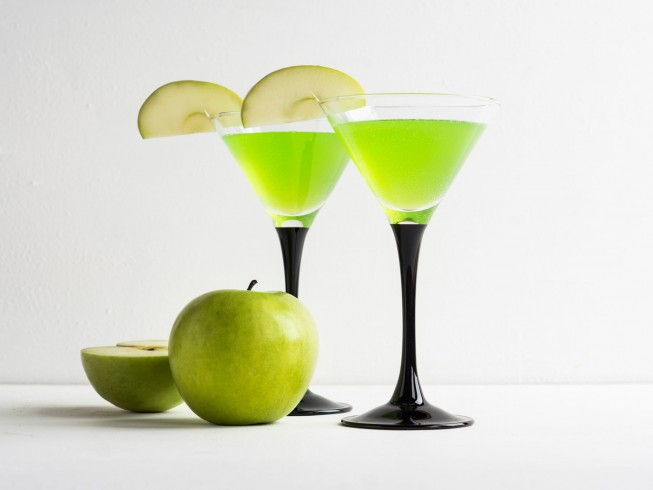 Appletini Cocktail Recipe from CDKitchen.com