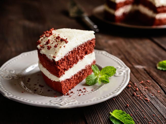 Red Velvet Cocoa Cake With Ice Cream Filling And