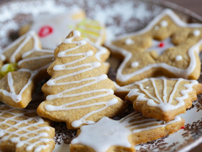 photo of christmas cookie frosting
