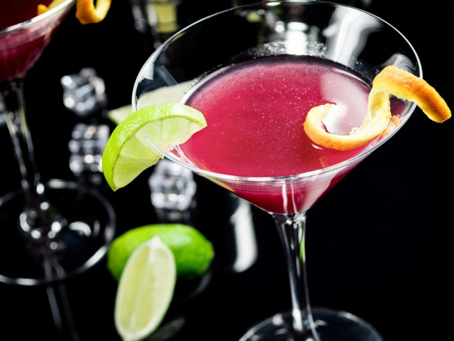Gin Cosmopolitan Cocktail Recipe Cdkitchen Com