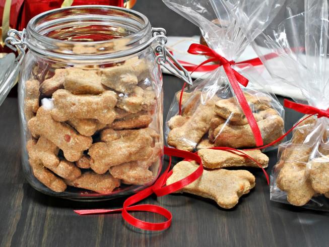 Dog Biscuit Mix In A Jar Recipe Cdkitchen Com